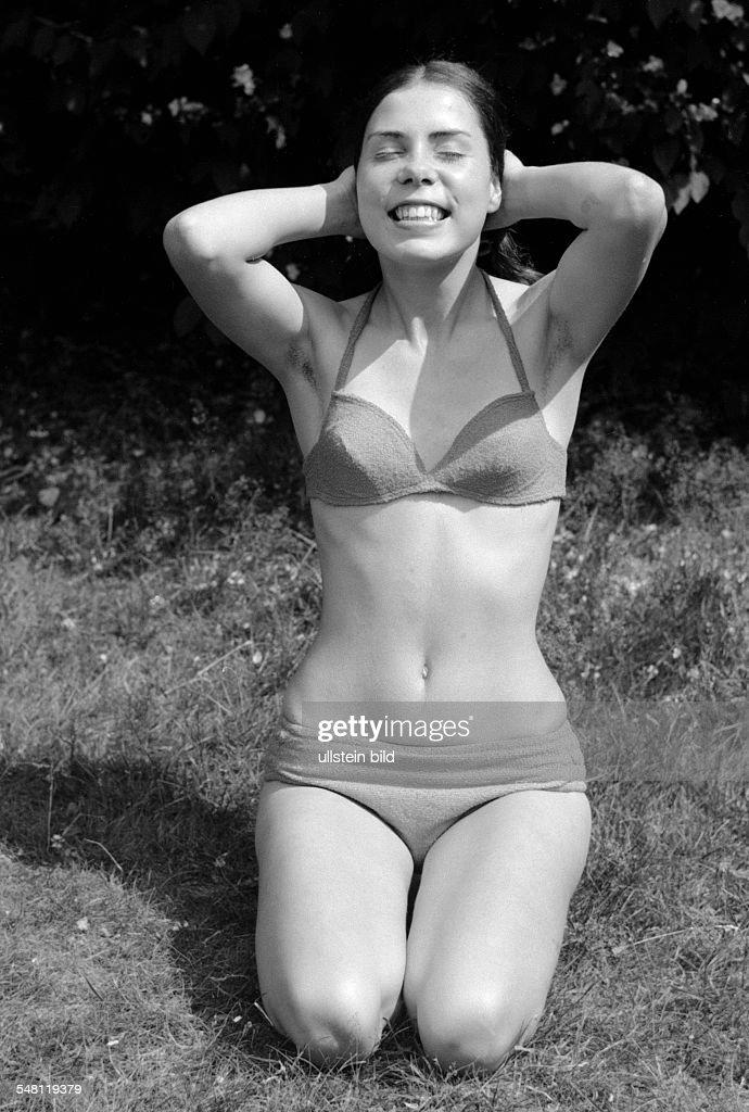 people, young girl in a bikini, portrait, aged 18 to 22 years, Gaby, Gabi - 27.06.1970 : News Photo