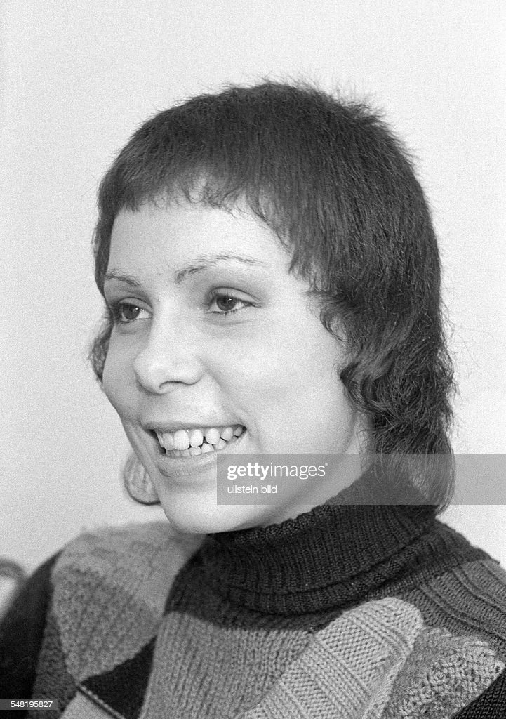 people, young girl, jersey, sweater, portrait, aged 18 to 22 years, Gaby, Gabi - 15.12.1971