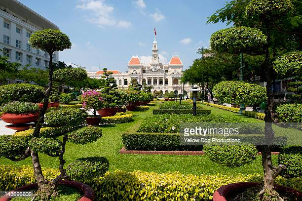 people's committee building, ho chi minh city - people's committee building ho chi minh city stock pictures, royalty-free photos & images
