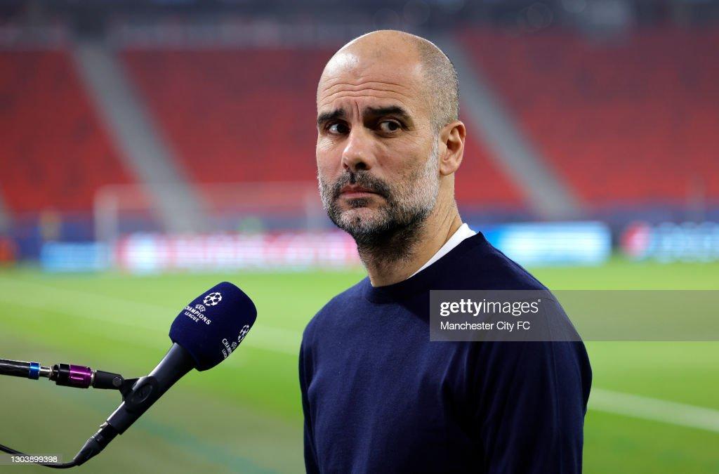 Borussia Mönchengladbach v Manchester City  - UEFA Champions League Round Of 16 Leg One : News Photo