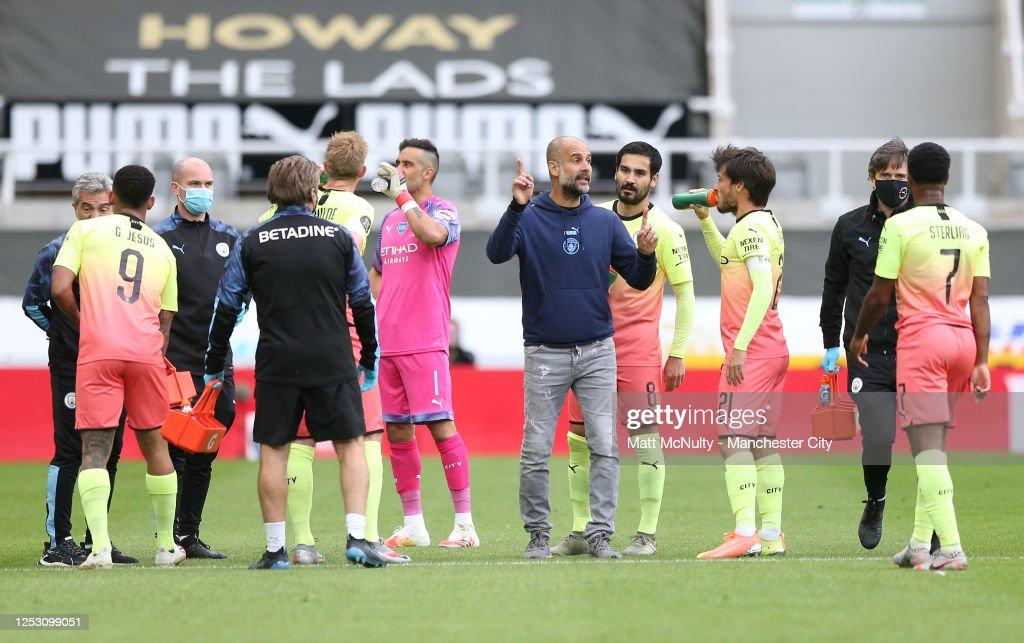 Newcastle United v Manchester City - FA Cup: Quarter Final : ニュース写真