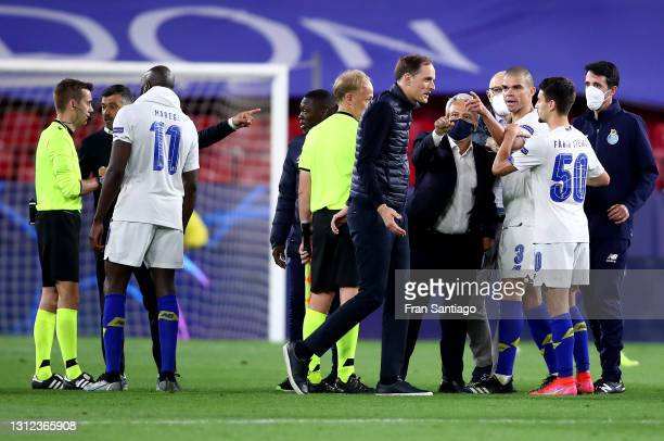 Pepe and Fabio Vieira of Porto react to Thomas Tuchel, Manager of Chelsea at full-time after the UEFA Champions League Quarter Final Second Leg match...