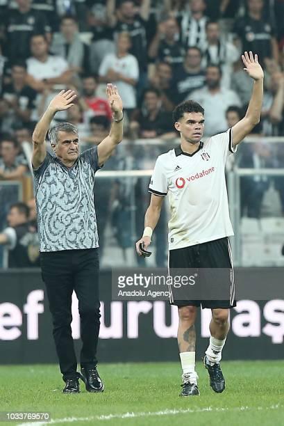 Pepe and Head Coach of Besiktas Senol Gunes greet fans at the end of the Turkish Super Lig soccer match between Besiktas and Evkur Yeni Malatyaspor...