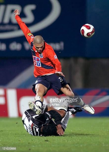Pepe and Rodrigo in action during the Champions league 13th round match in Funchal December 11 2006