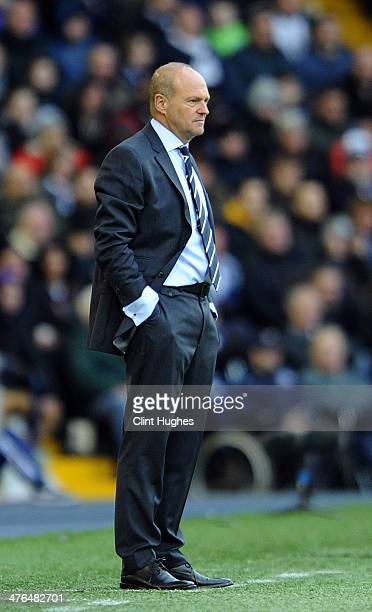 Pepe Mel manager of West Bromwich Albion during the Barclays Premier League match between West Bromwich Albion and Fulham at the Hawthorns on...