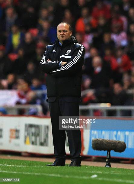 Pepe Mel manager of West Bromwich Albion looks on form the touchline during the Barclays Premier League match between Sunderland and West Bromwich...
