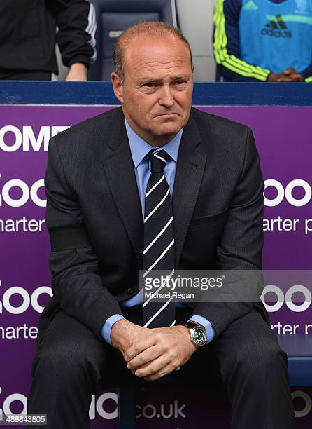 Pepe Mel manager of West Bromwich Albion wears a black armband as a mark of respect for former Barcelona manager Tito Vilanova during the Barclays...
