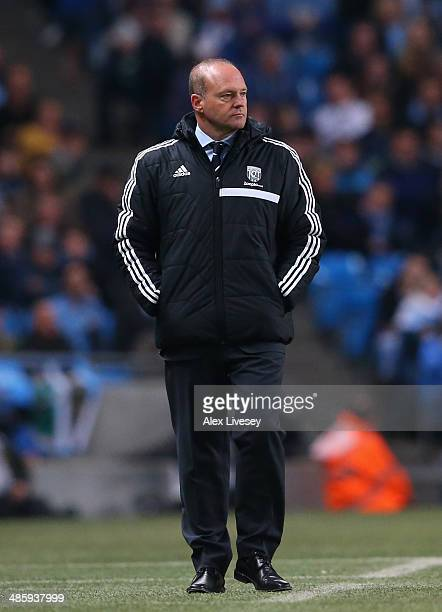 Pepe Mel the manager West Bromwich Albion looks on during the Barclays Premier League match between Manchester City and West Bromwich Albion at...
