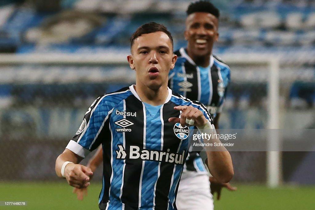 Gremio v Universidad Catolica - Copa CONMEBOL Libertadores 2020 : News Photo