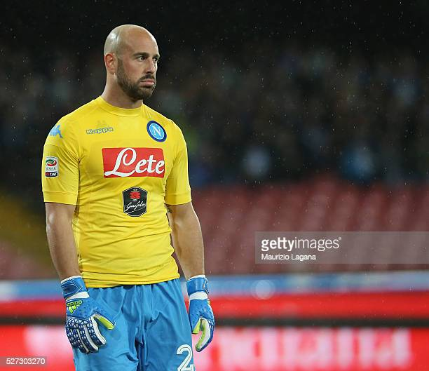 Pepe Reina of Napoli during the Serie A match between SSC Napoli and Atalanta BC at Stadio San Paolo on May 1 2016 in Naples Italy