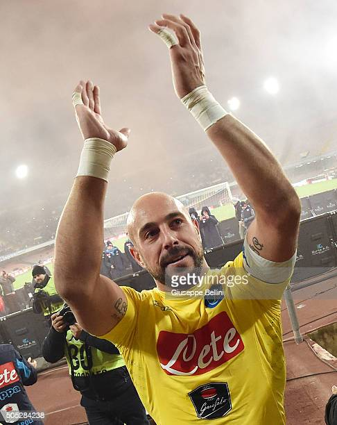 Pepe Reina of SSC Napoli celebrates the victory after the Serie A match between SSC Napoli and US Sassuolo Calcio at Stadio San Paolo on January 16...