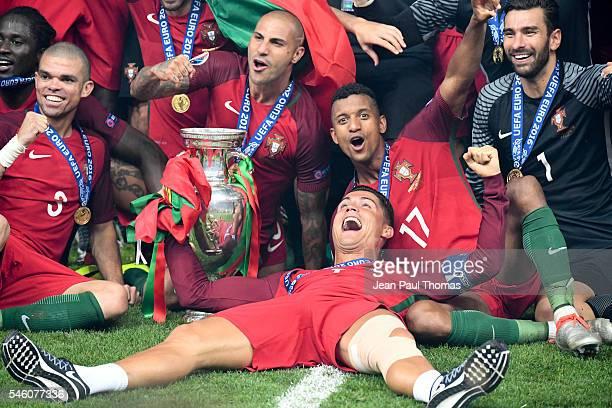 Pepe, Ricardo Quaresma, Nani, Rui Patricio and Cristiano Ronaldo of Portugal during the European Championship Final between Portugal and France at...