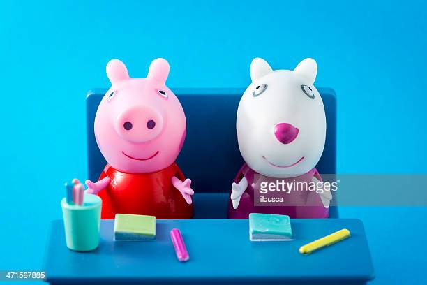 Peppa Pig animated television series characters: PeppaPig and Suzy Sheep