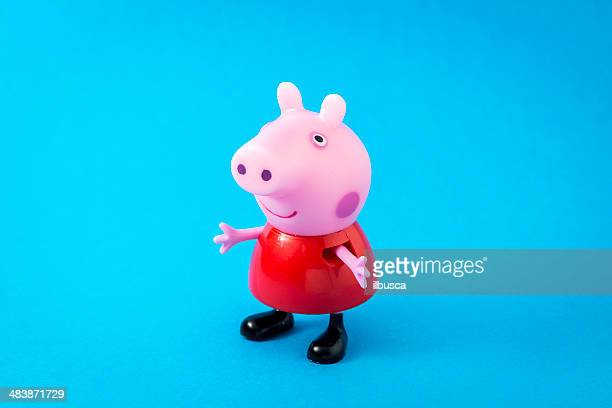 peppa pig animated television series characters: peppapig - peppa pig stock pictures, royalty-free photos & images