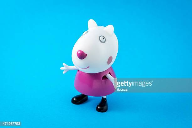 peppa pig animated television series characters: suzy sheep - peppa pig stock pictures, royalty-free photos & images