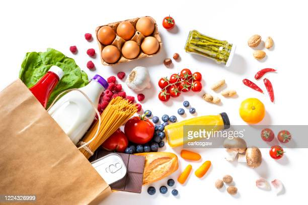 sac de poivre plein d'épicerie - aliments et boissons photos et images de collection