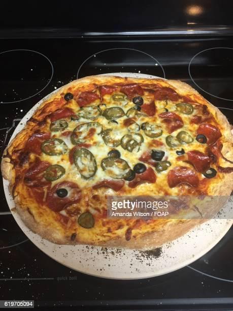 pepperoni pizza - broken arrow oklahoma - fotografias e filmes do acervo