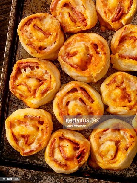 Pizza de Calabresa rolos
