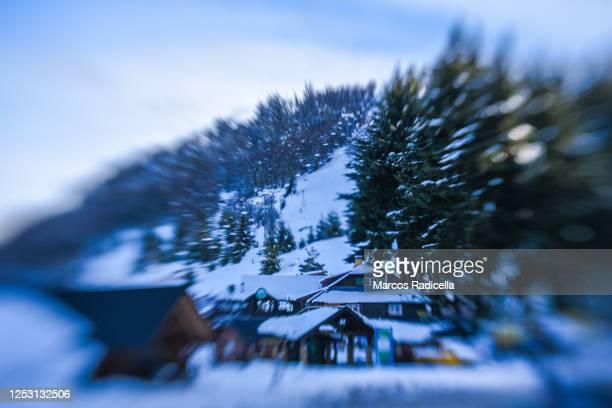 pequeño centro de esqui - radicella stock pictures, royalty-free photos & images