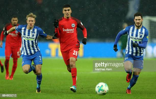Per Ciljan Skjelbred Aymane Barkok and Mathew Leckie battle for the ball during the Bundesliga match between Hertha BSC and Eintracht Frankfurt at...
