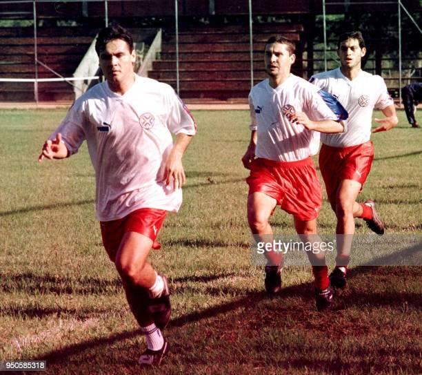 Peraguian soccer players Celso Ayala Mauro Caballero and Hugo Marcelo Ovelar run during pratice in San Bernardino Paraguay 27 June 1999 Celso Ayala...