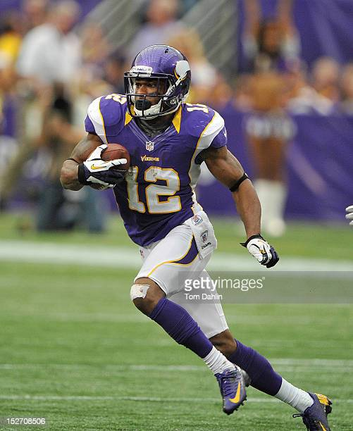 Percy Harvin of the Minnesota Vikings carries the ball during an NFL game against the San Francisco 49ers at Mall of America Field at the Hubert H...