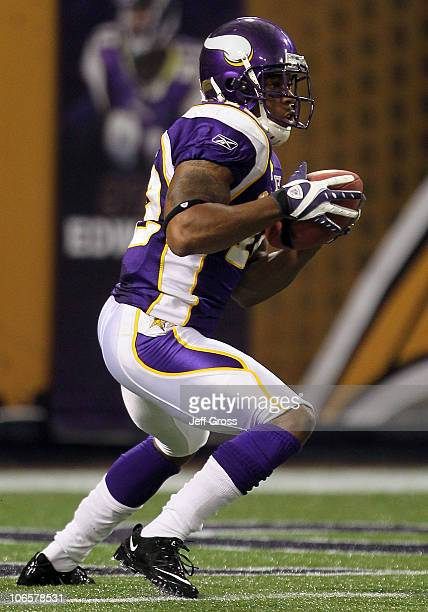 Percy Harvin of the Minnesota Vikings plays against the Detroit Lions during the game at Hubert H Humphrey Metrodome on September 26 2010 in...