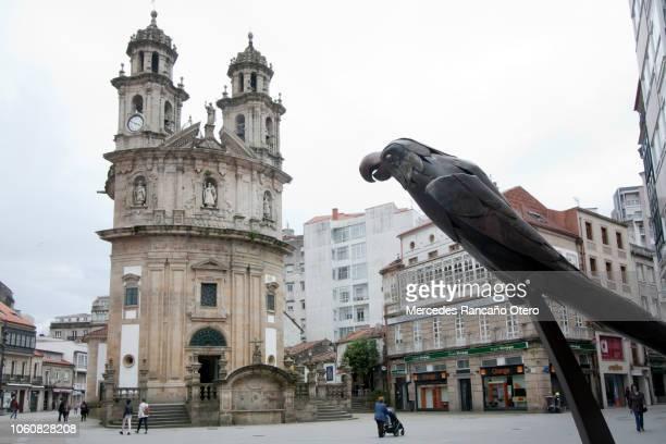 iglesia peregrina y ravachol loro, pontevedra, galicia, españa. - peregrino fotografías e imágenes de stock