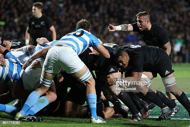 Perenara encourages the scrum during the Rugby Championship match between the New Zealand All Blacks and Argentina at Waikato Stadium on September 10...