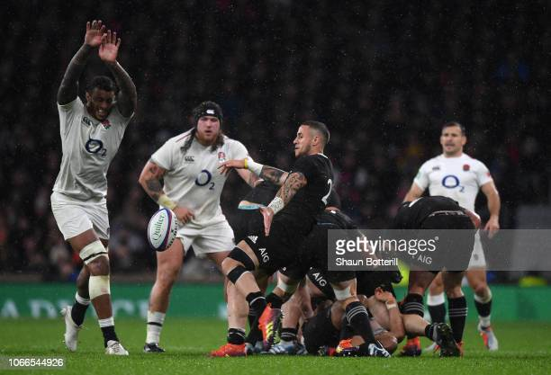 Perenara of New Zealand has his kick charged down by Courtney Lawes of England during the Quilter International match between England and New Zealand...