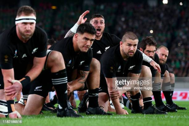 Perenara of New Zealand performs The Haka with his teammates prior to the Rugby World Cup 2019 Quarter Final match between New Zealand and Ireland at...