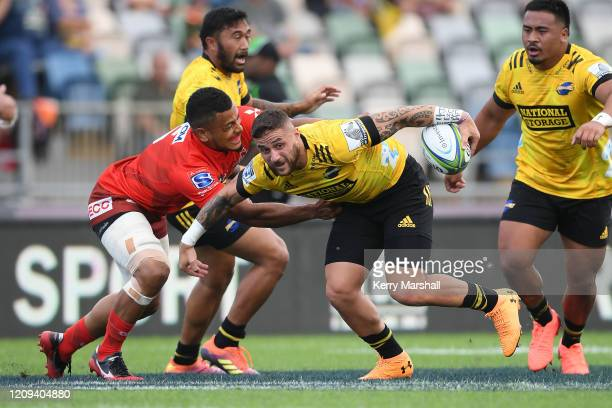 Perenara of the Hurricanes looks for support during the round five Super Rugby match between the Hurricanes and the Sunwolves at McLean Park on...
