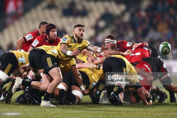 Perenara of the Hurricanes passes during the Super Rugby Semi Final between the Crusaders and the Hurricanes at Orangetheory Stadium on June 29 2019...