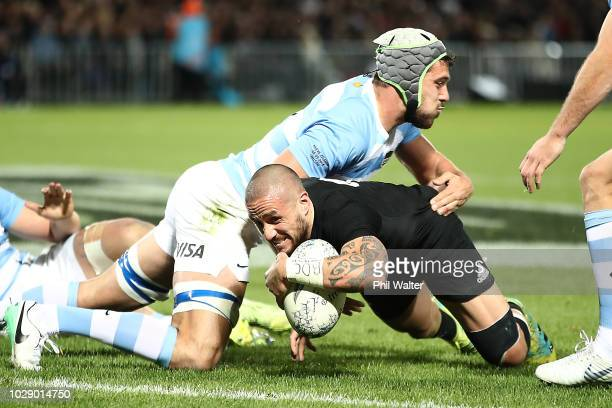 Perenara of the New Zealand All Blacks scores a try during The Rugby Championship match between the New Zealand All Blacks and Argentina at Trafalgar...