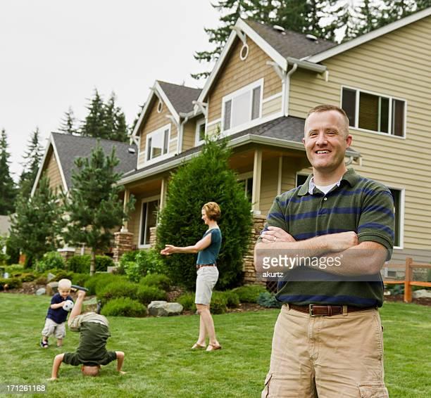Perfekte Glückliche Familie