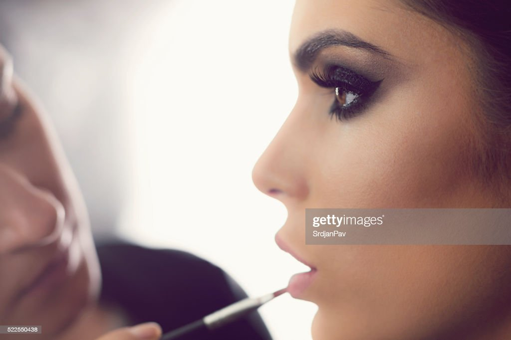 Perfect Make-Up Application : Stock Photo