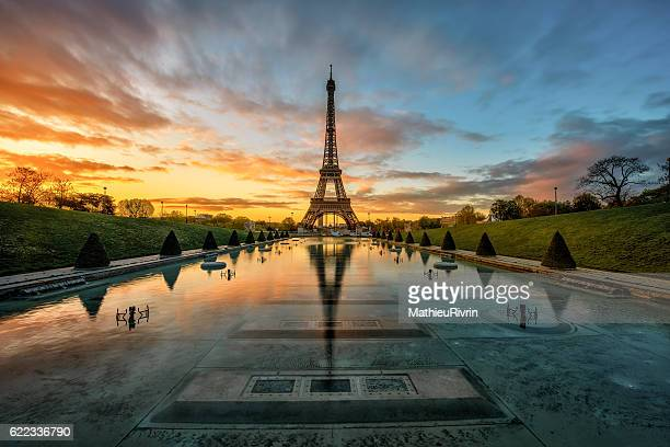 Perfect mirror of the Eiffel tower