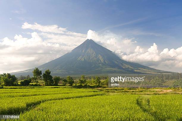 perfect volcano - philippines stock pictures, royalty-free photos & images