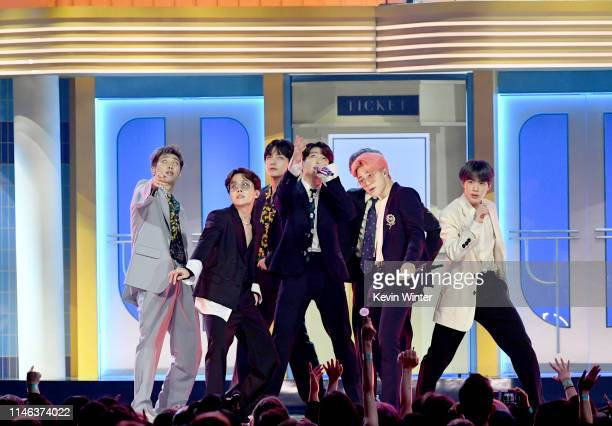 Perform onstage during the 2019 Billboard Music Awards at MGM Grand Garden Arena on May 01, 2019 in Las Vegas, Nevada.
