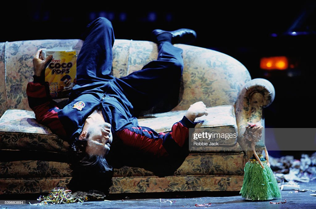 Garry Magee Performing in Don Giovanni : News Photo
