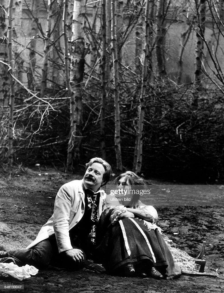 Wolf Redl and Edith Clever in Gorky's play 'Summerfolk' : Nachrichtenfoto
