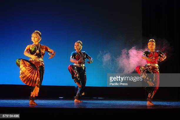 Performance of Papampara dance group from Kalkata performing in National museum Dhaka Shadhona Shangskritik Mondoal arrange 52nd Nupur Beje jai event...
