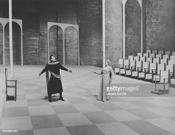 Performance of Richard Wagner's opera 'Tannhäuser' at the Bayreuth Festival; scene with Ramon Vinay in the title role and Gre Brouwenstijn as...