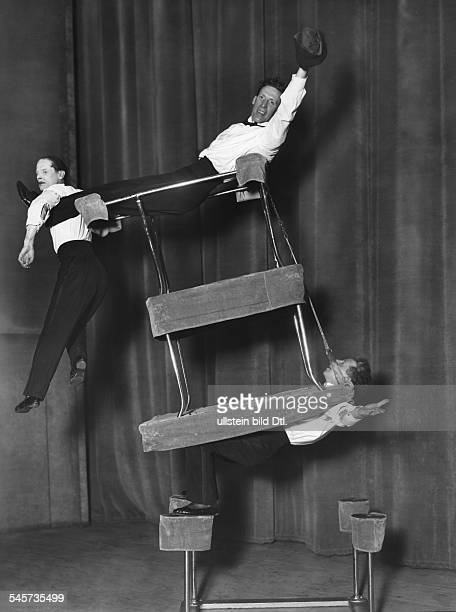 Performances in the Wintergarten Variety Theater, Berlin, in the 1920/30ies Show of the three Eldon equilibrists - 1929 - Photographer: Ernst...