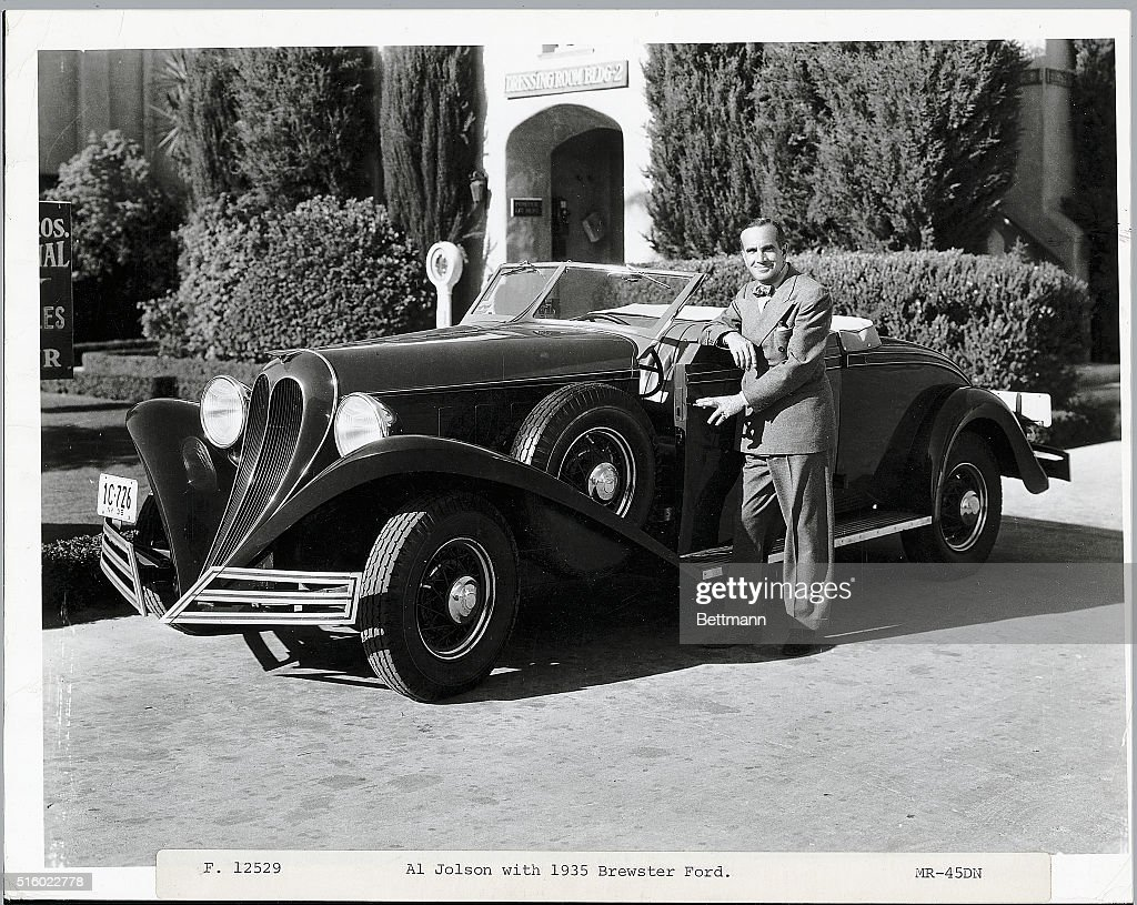 Performer Al Jolson with 1935 Brewster Ford. Photograph, ca. 1930s. News  Photo - Getty Images