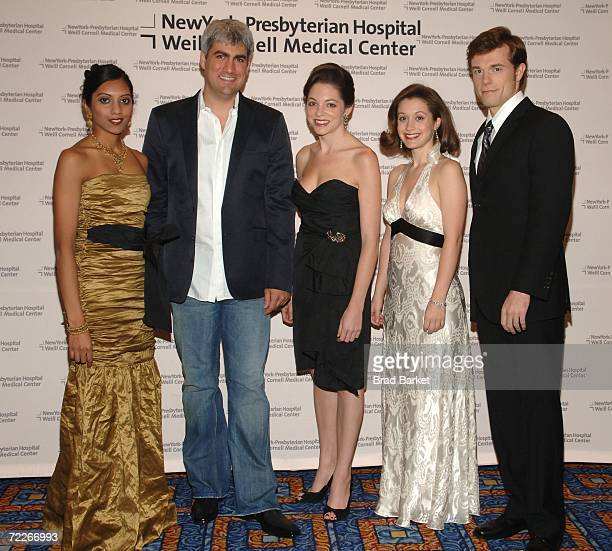 Performer Coral Shaw singer Taylor Hicks Chloe Hill and Billy Steven attend the New YorkPresbyterian/Weill Cornell Cabaret 2006 Benefit at the...