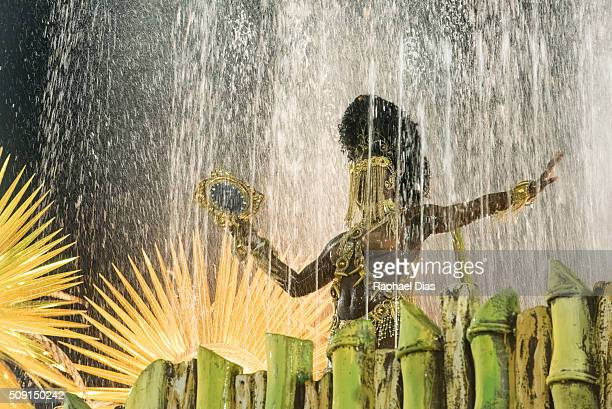 A performer dances during Mangueira performance at the Rio Carnival in Sambodromo on February 8 2016 in Rio de Janeiro Brazil Despite the Zika virus...