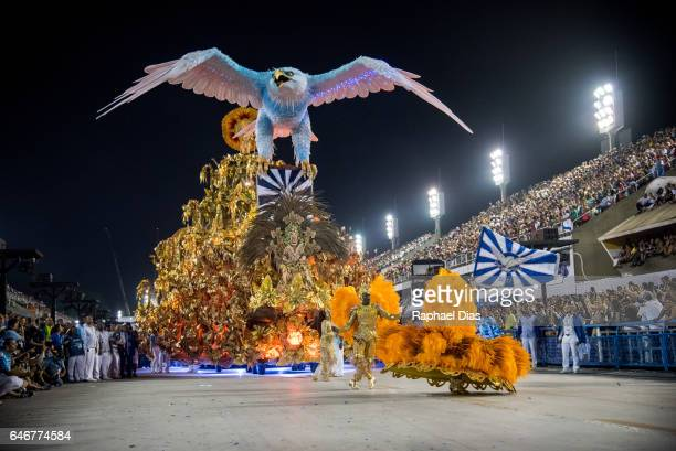 Performer dances during Portela performance at the Rio de Janeiro Carnival at Sambodromo on February 27, 2017 in Rio de Janeiro, Brazil.