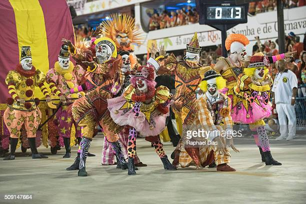A performer dances during Sao Clemente performance at the Rio Carnival in Sambodromo on February 8 2016 in Rio de Janeiro Brazil Despite the Zika...