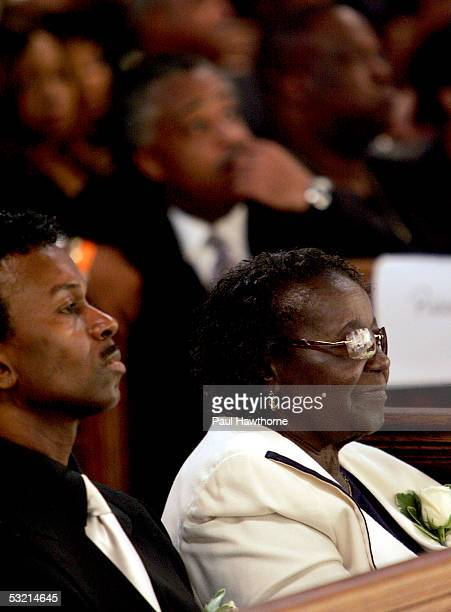 Performer Fonzi Thorton sits with Mary Ida Vandross the mother of Luther Vandross during Vandross' funeral at Riverside Church July 8 2005 in New...